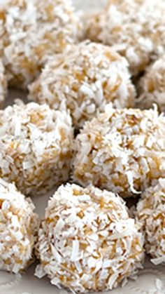 No Bake Orange Snowball Cookies Recipe ~ These cookies are about as easy as it comes, but they taste like a creamsicle and are fun and festive to boot