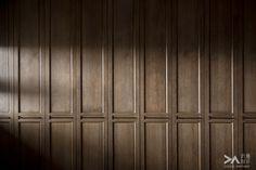 近境制作 2013 iF 傳達設計獎 唐忠漢設計師: 十一月 2014 Wood Panel Walls, Wood Paneling, Wood Wall, Panelling, Feature Wall Design, Joinery Details, Hallway Designs, Wall Finishes, Types Of Doors