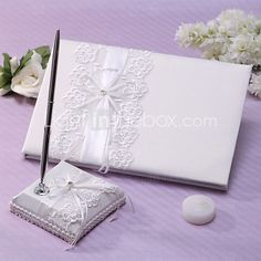 Guest Book Pen Set Lace Garden ThemeWithSash Rhinestones - EUR €19.59 ! HOT Product! A hot product at an incredible low price is now on sale! Come check it out along with other items like this. Get great discounts, earn Rewards and much more each time you shop with us!