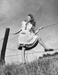 Norma Jeane. Photo by Andre de Dienes, 1945.