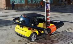 A great, unique ad for the Smart Car. Unusual scaling of objects in ads make u stop to look, pull focus. #Marketing #Advertising