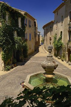❤❤ Copyrights unknown. Village of Venasque, Southern France.
