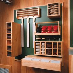 Sanding Supply Center Woodworking Plan from WOOD Magazine
