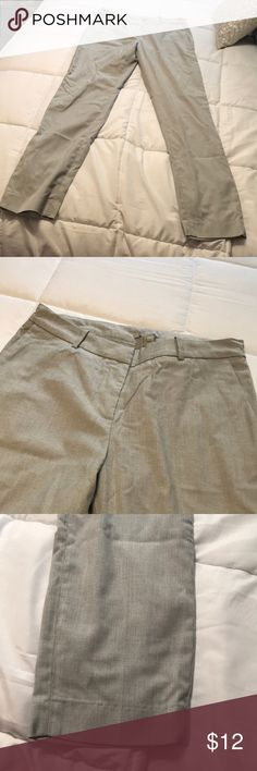 H&M dress pants Good condition size 6, shel is 66% Polyester, 31% viscose, 3% elastane, lining is 80% Polyester and 20% cotton, inseam is 30 inches H&M Pants Straight Leg
