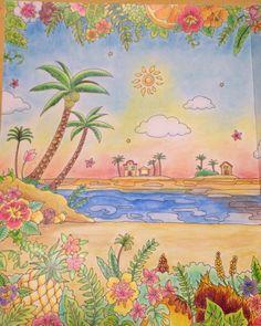 。 。 左ページアップ 。 。 実はこの作品で自分の中で気に入ってるのは、パイナップルと、ヤシの木の実の色だったりします(*ˊᗜˋ*)/♡ 。 。 特にパイナップルは何色も色重ねて塗ってみました✨写真は光反射しちゃって見えにくいのですが右ページの方がまだ色味見やすいかもしれません!どうか美味しそうに見えますように…!(-人-)✨← 。 連投失礼しました! 。 #コロリアージュ #大人の塗り絵 #ファーバーカステル #ダイソーパステル #旅するディズニー #旅するディズニー塗り絵 #スティッチ