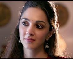 Indian Actress Images, Beautiful Indian Actress, Indian Actresses, Kaira Advani, Kiara Advani Hot, Indian Outfits, Indian Clothes, Indian Celebrities, Bollywood Stars
