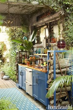 If you are looking for Rustic Outdoor Kitchen Ideas, You come to the right place. Here are the Rustic Outdoor Kitchen Ideas. This post about Rustic Outdoor . Basic Kitchen, Summer Kitchen, New Kitchen, Kitchen Decor, Kitchen Ideas, Boho Kitchen, Kitchen Bars, Kitchen Rustic, Hippie Kitchen