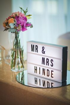 Lightbox centrepiece for the bridal table, with posies matching the bridal bouquets. Our wedding had a mint, pink, peach and gold theme. Light Up Letter Box, Light Board, Led Light Box, Cinema Light Box Quotes, Cinema Box, Mr Mrs, Box Center, Licht Box, Bridal Table