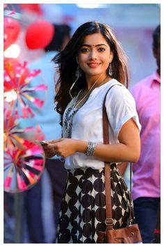 Rashmika Mandanna In Devadas Movie 16 Beautiful Girl Photo, Cute Girl Photo, Beautiful Girl Indian, Beautiful Girl Image, Beautiful Men, Indian Actress Photos, South Indian Actress, Indian Actresses, Actress Pics