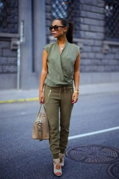 Zara Army Green Street Chic Zip Pocket Joggers