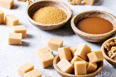 Najjednoduchší recept na výborné domáce karamelky   Urob si sám Cantaloupe, Candy, Cookies, Fruit, Food, Crack Crackers, Eten, Candles, Cookie Recipes