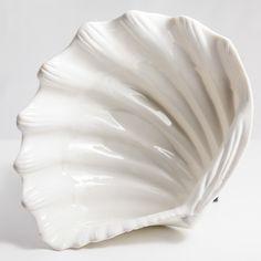 #lunac #lunadelmar #beach #shells #porcelain #gifts Shells, Porcelain, Beach, Gifts, Seashells, Presents, Porcelain Ceramics, The Beach, Sea Shells