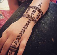 mehndi designs easy and simple images . mehndi designs easy and simple images . mehndi designs easy and simple images. mehndi designs easy and simple images New Bridal Mehndi Designs, Modern Mehndi Designs, Mehndi Designs For Fingers, Mehndi Design Images, Beautiful Henna Designs, Best Mehndi Designs, Arabic Mehndi Designs, Simple Mehndi Designs, Bridal Henna
