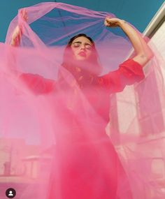 20 Ideas Fashion Photography Inspiration For 2020 Fashion Photography Poses, Fashion Photography Inspiration, Photoshoot Inspiration, Creative Photography, Portrait Photography, Pink Photography, Creative Shots, Artistic Fashion Photography, Conceptual Photography