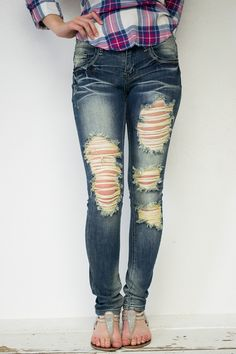 Destroyed denim skinny jeans with 5 pockets. Stretchy fabric with rips on the front and a couple on the back pockets. Worn and faded look to add character and comfort. A great look with any top! Zippe - Women's Shoes - http://amzn.to/2gIrqH5