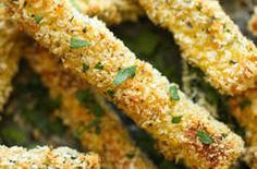 Healthy Snacks Baked Zucchini Fries - These fries are amazingly crisp-tender and healthy with just calories. And no one would ever believe that these are baked! Vegetable Sides, Vegetable Recipes, Vegetarian Recipes, Healthy Recipes, Veggie Recipes Sides, Easy Recipes, Easy Vegetable Side Dishes, Healthy Side Dishes, Chicken Recipes