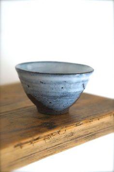 yukiyama シリーズのちょこんと食卓でお使いいただけます小さな小さな小鉢が焼き上がりました。日本酒を飲まれる方でしたら少々大きめのおちょこにもお使いいた... ハンドメイド、手作り、手仕事品の通販・販売・購入ならCreema。