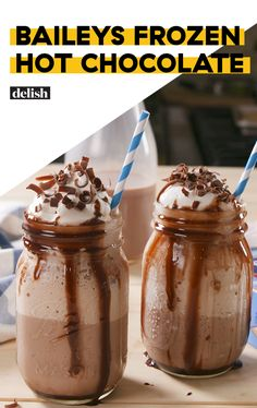 Chocoholics Will Love Baileys Frozen Hot CocoaDelish—chocolate almond milk instead Baileys Drinks, Baileys Recipes, Chocolate Alcoholic Drinks, Bacardi Drinks, Alcoholic Shots, Frozen Hot Chocolate, Hot Chocolate Recipes, Chocolate Baileys, Non Chocolate Desserts