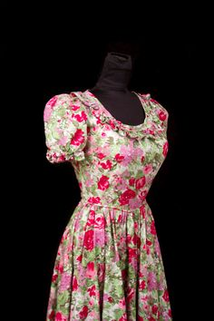 1940's Dress // Rose Floral Print Cotton Puff Sleeve Full Length Dress