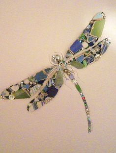 A beautiful Joanne Smith dragonfly Mosaic Tiles, Mosaic Rocks, Mosaics, Mosaic A… - Glass Art Mosaic Crafts, Mosaic Projects, Mosaic Art, Mosaic Glass, Mosaic Tiles, Fused Glass, Mosaics, Art Crafts, Art Projects
