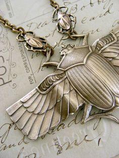 Vintage Necklace  Vintage Brass jewelry  por chloesvintagejewelry