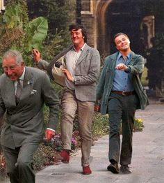 Didn't think the Leo meme could get better. With Prince Charles and Stephen Fry.
