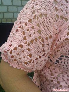 Летний пуловер крючком - ВЯЗАНАЯ МОДА+ ДЛЯ НЕМОДЕЛЬНЫХ ДАМ - Страна Мам Easy Crochet, Crochet Top, Crochet Summer, Crochet Patterns, Pullover, Blanket, Women, Fashion, Crochet Shirt