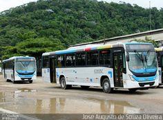 Ônibus da empresa Translitoral Transportes, carro E22035C, carroceria Marcopolo Torino 2014, chassi Volvo B270F. Foto na cidade de Duque de Caxias-RJ por José Augusto de Souza Oliveira, publicada em 31/01/2015 20:45:25.