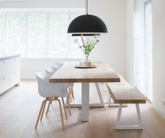 Modern Minimalist Dining Room Design And Decor Ideas Source image : Dining Room Wall Decor, Dining Table Chairs, Dining Room Design, Diningroom Decor, Kitchen Chairs, Dining Area, Modern Scandinavian Interior, Scandinavian Living, Scandinavian Furniture
