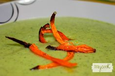 crema de calabacín con chips de zanahoria con Mycook www.mycookrecetas.com