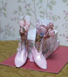 Dolls Cobbler New Design Pink Garden or Rain Boots with Box Dollhouse Miniatures