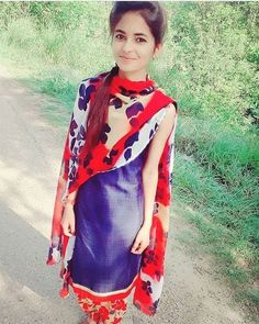 Look Your Best With This Fashion Advice Desi Girl Image, Beautiful Girl Photo, Beautiful Girl Indian, Beautiful Girl Image, Beautiful Indian Actress, Cute Young Girl, Cute Girl Poses, Cute Girl Photo, Cute Girls