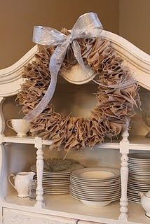 DIY:: Burlap Wreath