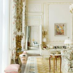 Grande dame hotel The Ritz Paris reopens after a four-year facelift, and is more beautiful than ever. The Ritz Paris, Paris Rooms, French Apartment, Interior And Exterior, Interior Design, Paris Hotels, Dream Rooms, My Dream Home, House Design