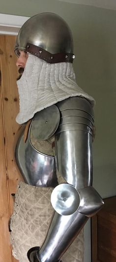 Late 14th century armour with floating arm harness