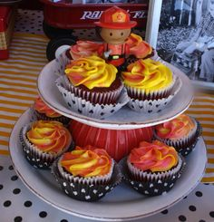 """Fire"" cupcakes at a Firetruck Party Rausch I think these are cute and easy you can get the frosting spray paint at langers or walmart Fireman Party, Firefighter Birthday, Firefighter Cupcakes, Cupcake Recipes, Cupcake Cakes, Fire Cupcakes, Boy Birthday Parties, Birthday Ideas, 3rd Birthday"