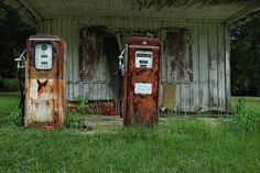 Hinsonton GA Mitchell County Johnson's Grocery Country Store Filling Gas Station Gilbarco Pumps Rusted Americana Rural  Pictures Photo Copyright Brian Brown Vanishing South Georgia USA 2010