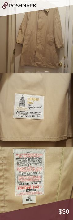 Excellent Vintage London Fog Trench Coat sz: 42R This London Fog Trench Coat is in Excellent Condition. Made In Baltimore and made with the waterproof material Dacron. London Fog Jackets & Coats Trench Coats