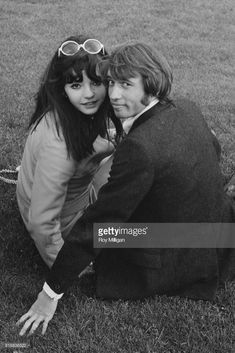 Hungarian pop singer Sarolta Zalatnay with her boyfriend, British singer-songwriter and musician Maurice Gibb (1949 - 2003) of the Bee Gees, London, UK, 24th April 1968.