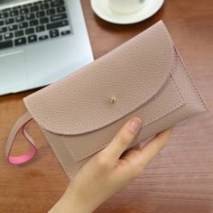 SHARE & Get it FREE | Stitching Flapped WristletFor Fashion Lovers only:80,000+ Items·FREE SHIPPING Join Dresslily: Get YOUR $50 NOW!