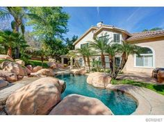 Granada Hills, CA, house is eh, but the backyard!...