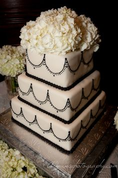 What a stunning black&white Photography: Arman's Photography Cake Photography, Photography Business, Cake Shots, Wedding Cakes, Black White, Desserts, Food, Wedding Gown Cakes, Black And White