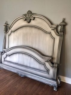 Design options for the guest room. Painted Bed Frames, Painted Beds, Painted Bedroom Furniture, Distressed Furniture, Refurbished Furniture, Painted Headboards, Chalk Paint Bed, Chalk Paint Furniture, Furniture Projects