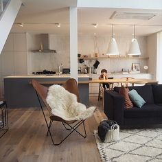 Small Living Rooms, Living Room Kitchen, Home And Living, California Living, Japanese Interior, New Room, House Rooms, Home Interior Design, Kitchen Design