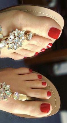 Foot Pedicure, Pedicure Colors, Pretty Toe Nails, Pretty Toes, Dr Scholls Sandals, Nice Toes, Foot Pics, Feet Nails, Foot Toe