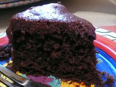 vegan-chocolate-cake-with-avocado