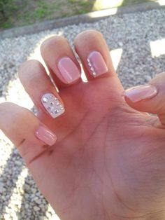 love the rhinestone accent nail!