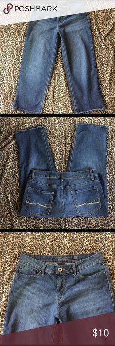 Women's Dark Wash Jean Capris Sz. 12 NICE!🎀🌷🌺 Preowned but in great condition! Washed & worn just a couple times!! Made by Faded Glory these are a size 12 pair of darker wash Jean capris! They have stylish back pockets, more mid to higher rise, a hint of factory washed/worn look, stretch & are comfy & cute!! Women's size 12 ~Any questions, please ask!! Thank you for looking & have a happy day!! ☀️☮️💖😊🌷 Faded Glory Jeans Ankle & Cropped