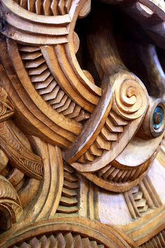 Detail of Maori carving Chip Carving, Bone Carving, Maori Designs, Polynesian Art, Maori Art, Wood Creations, Wooden Art, Whittling, Wood Sculpture