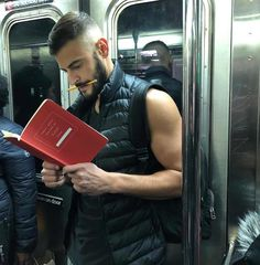 Instagram-Account-Shares-Hot-Dudes-Reading-Books Guys Read, Nyc Subway, Man Images, Books For Boys, Public Transport, Man Crush, Book Worms, Book Lovers, Books To Read